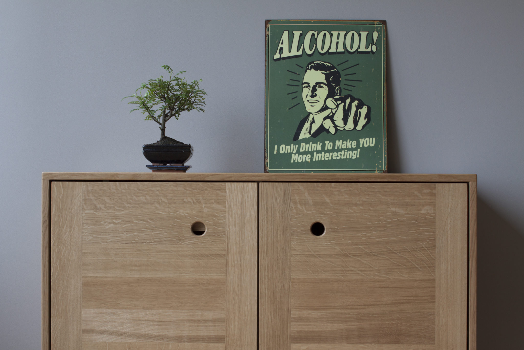Bar Cabinet front
